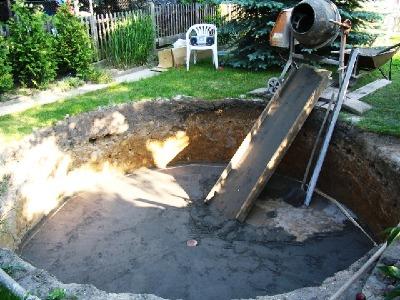 Rundpool bodenplatte betonieren schwimmbad und saunen for Boden untergrund